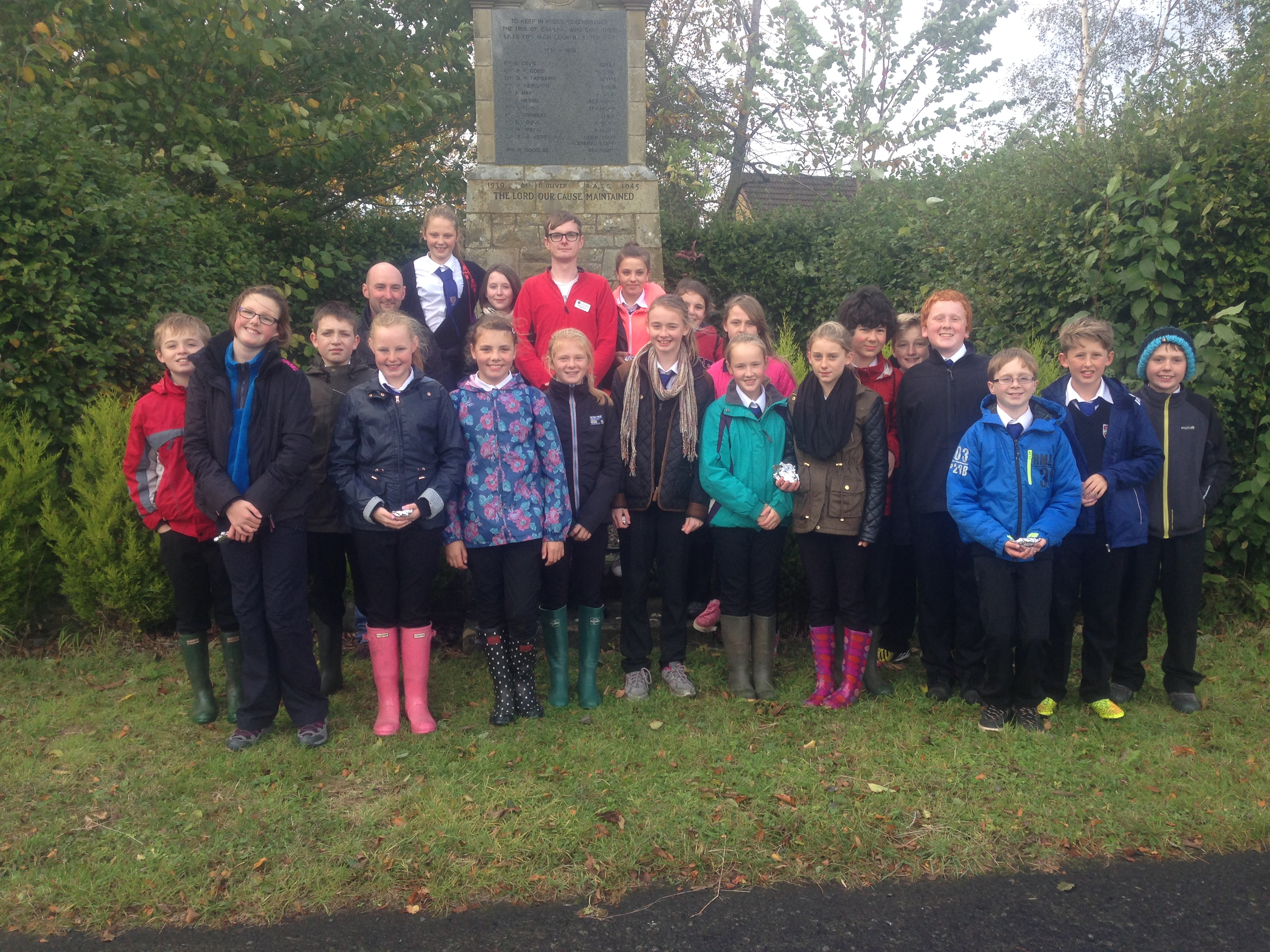 Martin, Tim and the Jedburgh pupils at the Crailing War Memorial.